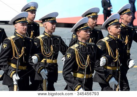 Moscow, Russia - May 7, 2019:soldiers Of The Company Of Honor Guard Of The Preobrazhensky Regiment A