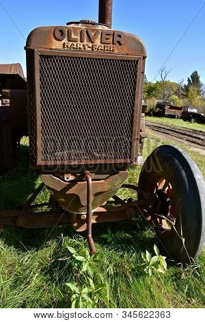 Downer, Minnesota, October 6, 2019: The Old Rusty Tractor Comes From Oliver Hart-parr Tractor Compan