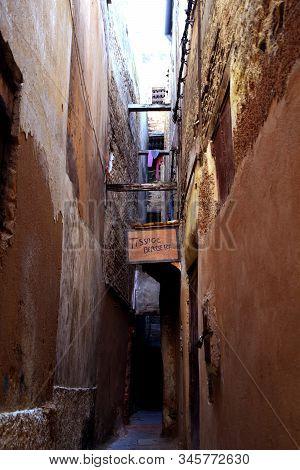 Berber Weaving In Narrow Passageway In Fes, Morocco