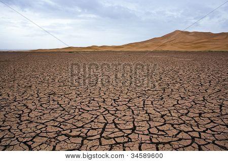 Dry lake at the sahara