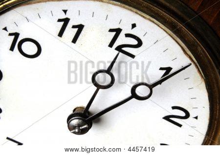 5 Minutes Past Thwelve O'clock