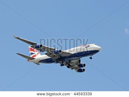 British Airways Jumbo Jet Landing In Miami