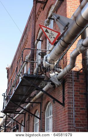 Steam and condensate pipelines