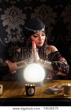 Working Fortune-teller