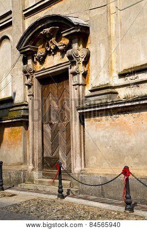 Italy  Lombardy     In  The Santo Antonino    Church  Closed Brick Tower Step    Wall