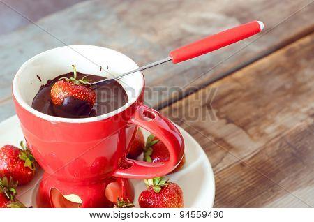 Chocolate Fondue With Strawberries