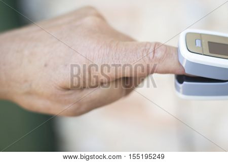 Cardiac Finger Pulse Meter