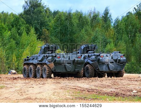 Armoured vehicles for infantery transportation with 30 millimeter cannon and machine gun
