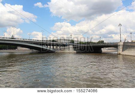 Large Ustyinsky bridge and the bridge on Kotelnicheskaya embankment