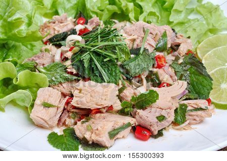 Close Up Of Spicy And Sour Mixed Vegetable Salad With Canned Tuna Served .