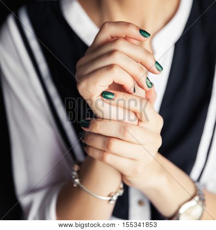 Beautiful Modern Fashionable Girl With A Green Manicure. Nails Style, Gel.