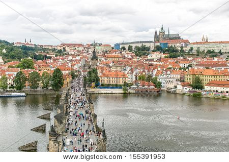Pargue, view of the Lesser Bridge Tower of Charles Bridge (Karluv Most) and Prague Castle, Czech Republic.