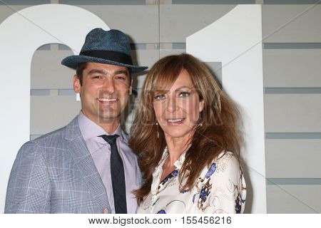 LOS ANGELES - NOV 5:  Philip Joncas, Allison Janney at the 33rd Breeder's Cup World Championship at the Santa Anita Park on November 5, 2016 in Arcadia, CA