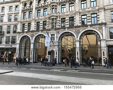 LONDON - NOVEMBER 7: The Apple Store on Regents Street on November 7, 2016 in London, UK.