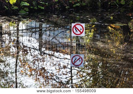 No fishing sign in a pond in the Netherlands