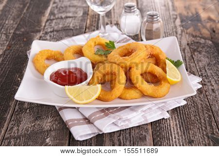 onion ring or calamari ring