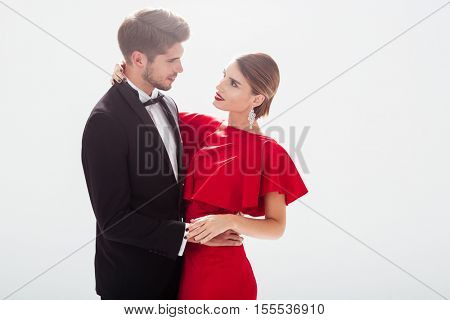 Fashion couple in love. eyes to eyes