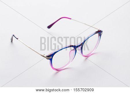 Multi-colored rim with transparent glass