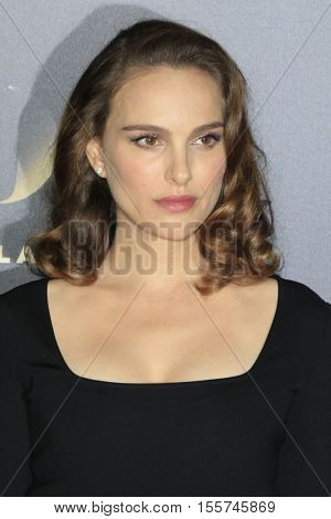 LOS ANGELES - NOV 6:  Natalie Portman at the 20th Annual Hollywood Film Awards  at Beverly Hilton Hotel on November 6, 2016 in Beverly Hills, CA