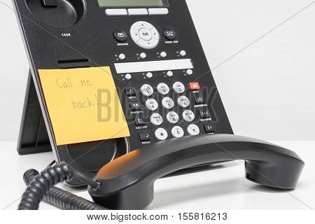 calling back message on sticky note attach to IP phone