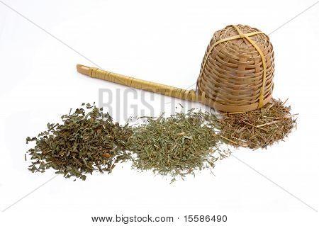 tea and colander at oposite side