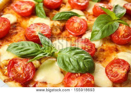 Pizza Margarita, closeup