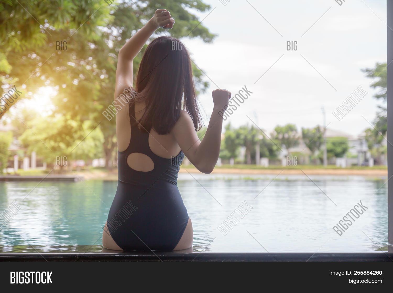 Think, Asian ass rear view