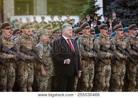 Petro Poroshenko And Soldiers Of The Ukrainian Army