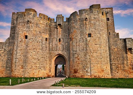 Aigues-mortes, Gard, Occitania, France: The Ancient City Gate Between The Ramparts Of The Walls Im T