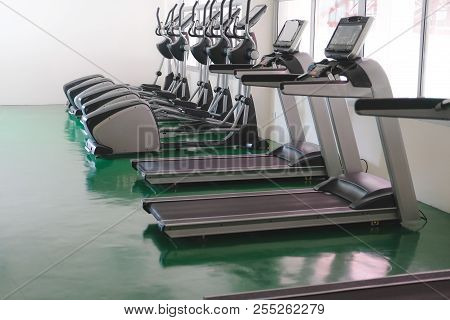 Treadmil & Elliptical Cross Trainer In Fitness Center Sport Gym