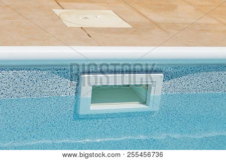 Water Leveling Wide Mouth Above Ground Skimmer. Pool Water Filtration System
