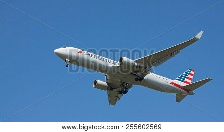 Budapest Liszt Ferenc, Hungary - June 11, 2018: An American Airways Boeing 767-323(er) With The Regi