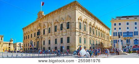 Valletta, Malta - June 17, 2018: Panorama Of Baroque Auberge Castille Mansion, Located In Castille P