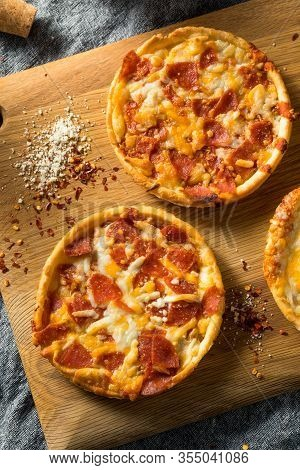 Fast Food Frozen Individual Pizzas