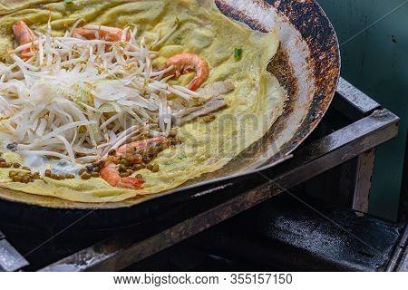 Sizzling Crispy Shrimp Pan Cake- Banh Xeo, Vietnamese Street Food