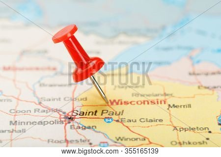 Red Clerical Needle On A Map Of Usa, Wisconsin And The Capital Madison. Close Up Map Of Wisconsin Wi