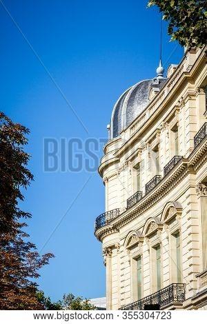 Paris/france - September 10, 2019 : Haussmann Building Detail On Champs-elysees Avenue