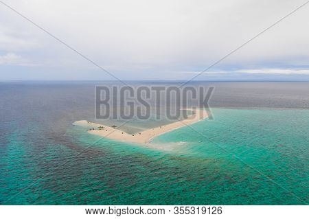 Atoll With An Island Of White Sand. Sand Beach Island On A Coral Reef, Top View. Tourist Route On Ca