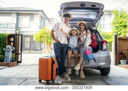 Asian Family Going To Holiday On Summer Vacation Before Start From Home. Car Travel Concept.