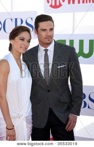 LOS ANGELES - JUL 29:  Kristin Kreuk, Jay Ryan arrives at the CBS, CW, and Showtime 2012 Summer TCA party at Beverly Hilton Hotel Adjacent Parking Lot on July 29, 2012 in Beverly Hills, CA