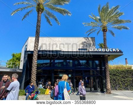 Orlando, Fl/usa-2/29/20:  A Stabucks Retail Store In Orlando, Florida.  Starbucks Corporation Is An