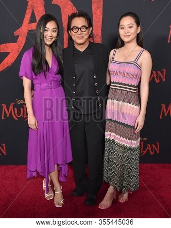 LOS ANGELES - MAR 09:  Jet Li, Jada Li and Jane Li arrives for 'Mulan' World Premiere on March 09, 2020 in Hollywood, CA