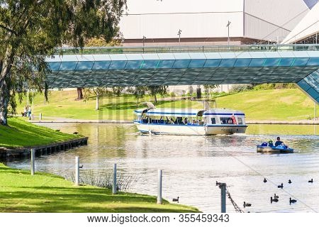Adelaide, Australia - August 4, 2019: Iconic Pop Eye Boat With People On Board Sailing Along Torrens