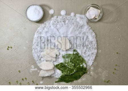 Arrangement Of The Working Area For Wallowing Wool From The Substrate, Soap, Foam, Wool, Layout In T