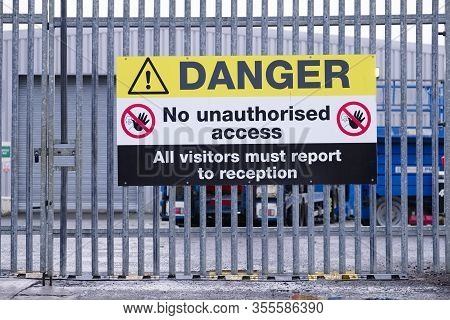 Danger No Unauthorised Access, All Visitors Must Report To Reception Sign