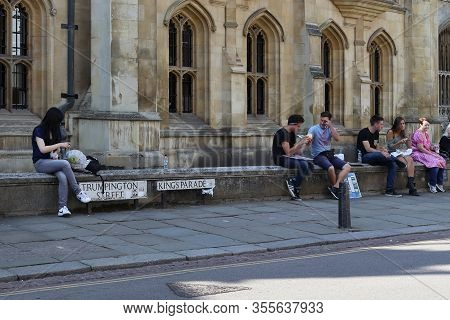 Cambridge, Great Britain - September 8, 2014: This Is A Scene Near Street Signs On The Parapet Of On