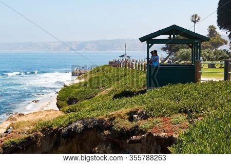 La Jolla, California - June 16, 2017:  People View The Boomer Beach Area Of La Jolla Cove From A Sig