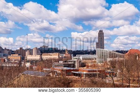 Pittsburgh, Pennsylvania, Usa 3/15/20 Phipps Conservatory With The Cathedral Of Learning Behind It O