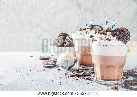 Mocha Milkshake With Cookies And Cream