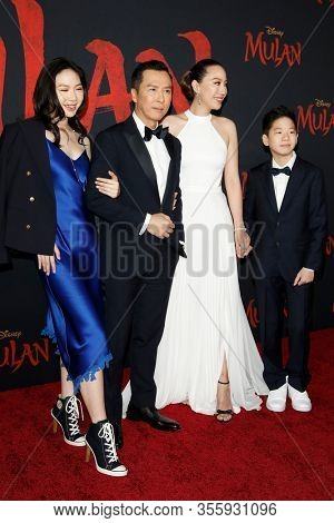 LOS ANGELES - MAR 9:  Jasmine Yen, Donnie Yen, Cissy Wang, James Yen at the